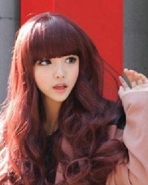 秋冬什么发型好看 动感大卷发女神气质