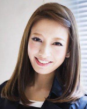 中长发内扣发型优雅清新 刘海编发更显甜美图片