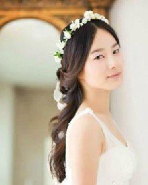十足大牌范 2015韩式新娘发型扎法图解