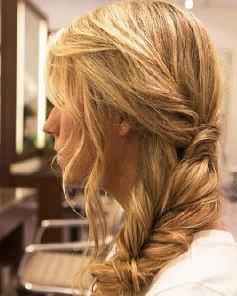 侧编发发型 波西米亚风鱼骨辫扎法图片