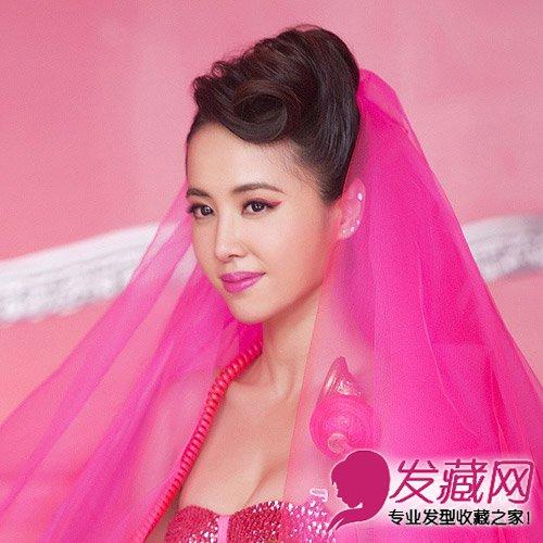 蔡依林《呸》张蓬松卷发发型(8)