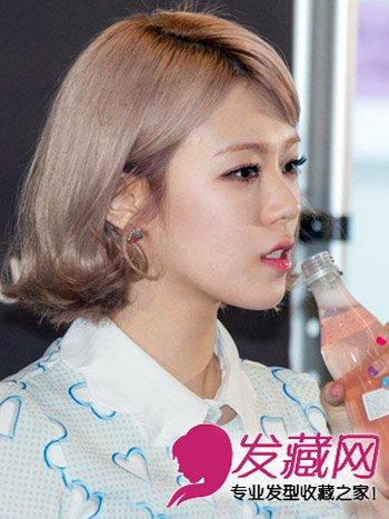 一款很有女人味的韩式短发发型,蓬松的烫卷设计飘逸清新,发尾图片