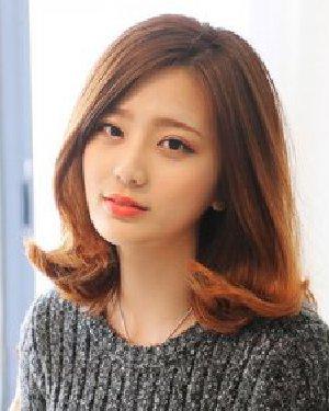 2015流行什么发型 中分长刘海修饰出完美脸型