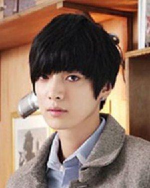 15年男生剪什么发型好 突显十足成熟男人味(2)图片