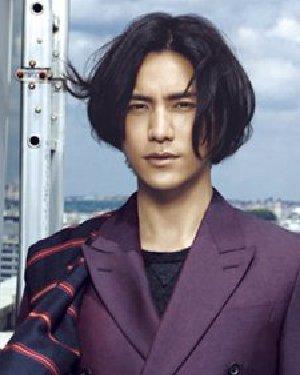 流行男生长发发型炫酷登场(2)