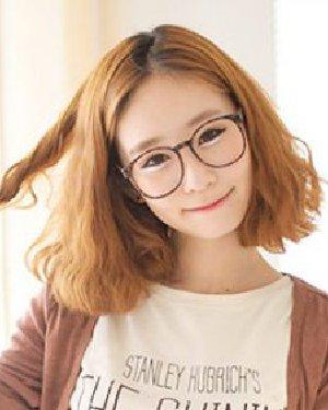 气质率真的短卷发发型 韩式胖圆脸女生超适合