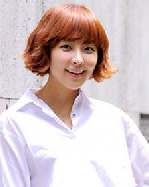韩流MM最爱的短发烫发 内蓬发型设计显发量感