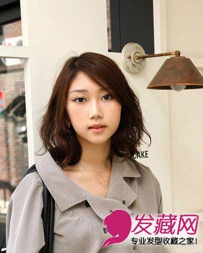 女生发型 女生发型与脸型 > 菱形脸也称为杏仁脸 中短发遮住高颧骨(5)