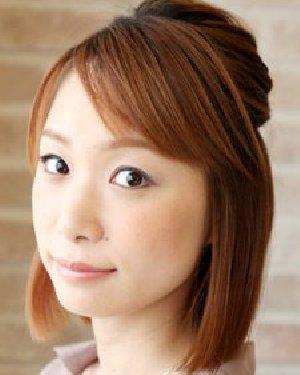 怎么扎好看发型 侧分刘海充满职业范