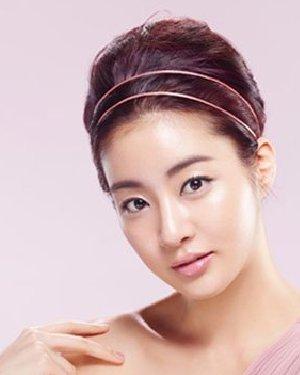 【图】韩星全仁花发型40岁女人适合中发发型图片_韩式