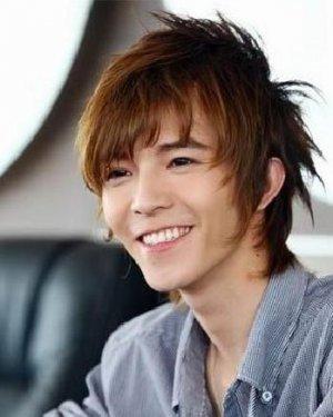 郭敬明王祖蓝发型 示范矮个子男生发型