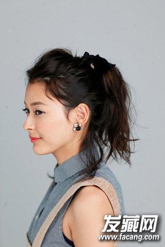 长发姑娘都爱扎高马尾 简洁风上班发型 →活泼可爱感的双马尾辫造型