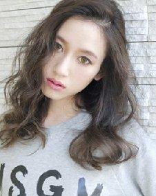 女生发型长卷发浪漫妩媚 短发最抢眼图片