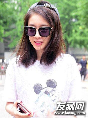 > 韩系中长发发型 斜刘海齐肩发最时尚(4)  导读:非常清新随性的韩式图片