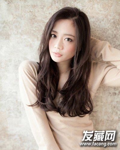 过冬中分不规则烫发(5)  导读:style 5 淑女气质的一款韩式中长发烫发图片