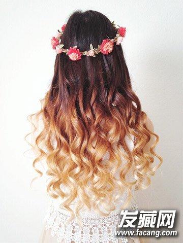 今年流行什么发型 简约的中长卷发超显甜美气(9)图片