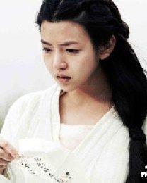 陈妍希代言小笼包 肉肉脸经典的道姑头