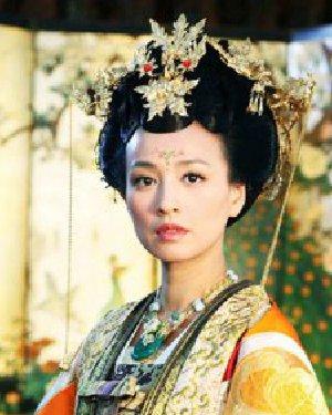 《武媚娘传奇》发簪盘发发型 尽显贵妃的雍容气质