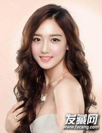 圆脸小眼睛发型 时尚短发发型很适合年轻的ol(2)