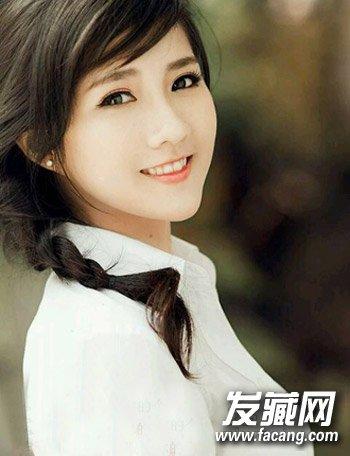 圆脸小眼睛发型 时尚短发发型很适合年轻的ol(5)