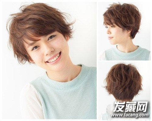 瓜子脸女生适合的发型 浪漫甜美中长卷发发型图片