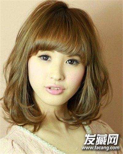 短发发型 > 圆脸适合的干练的中短发 发尾卷翘更修颜(7)  导读:可爱的