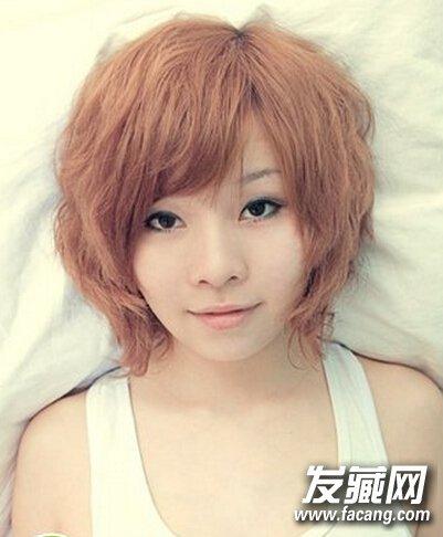 时尚甜美女生短烫发 日式的女生 短发发型 ,结合上蛋卷烫发的设计后