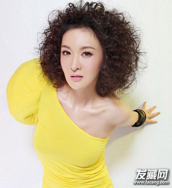 【图】女士短发时尚锡纸烫发型图片
