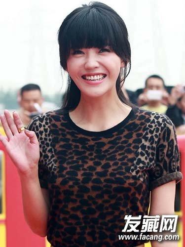 《重返20岁》杨子珊发型 内扣梨花头俏皮可爱(8)图片