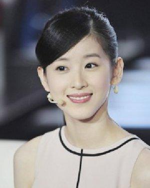 茶妹妹情色网_斜分刘海气质长卷发发型 茶妹妹章泽天发型