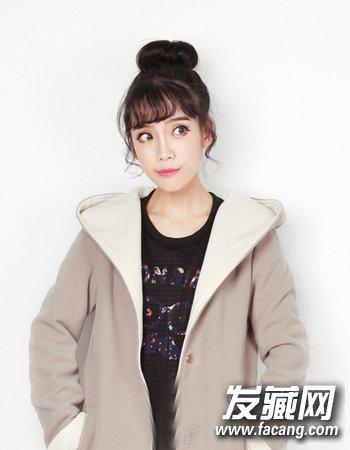 冬季女生什么发型好看 可爱甜美风齐刘海扎发发型(2)