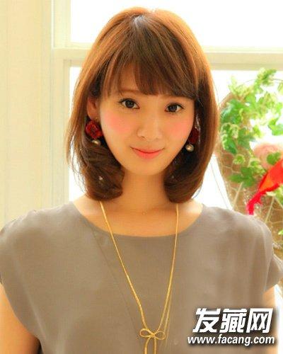 韩国女生齐刘海发型 厚重感的齐刘海减龄更美丽(6)图片