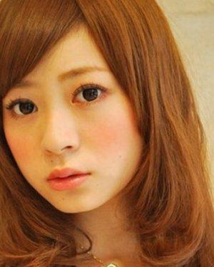偏分斜刘海短发梨花头发型 方脸女生适合的发型