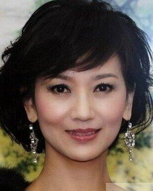 中年女性的365bet 最适合圆脸中年女性的发型