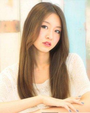 清纯自然长发发型 女生方脸发型设计