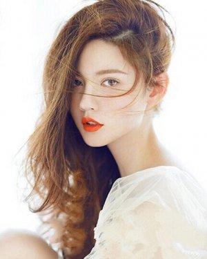 韩国中长卷发发型图片 妩媚风情中长卷发
