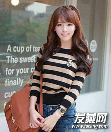 齐刘海中长发烫发发型 打造魅力时尚感(5)