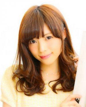 日本秋季时尚又甜美长发发型