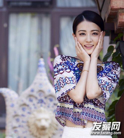 【图】90后新生代女演员徐璐可爱清纯粉色iphone7发型咯本图片