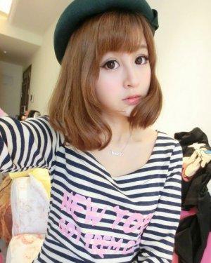 女生时尚斜刘海发型2015最新款