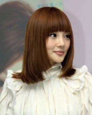 2015新款刘海发型时尚显气质