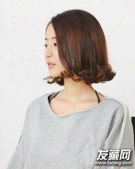 韩式气质优雅荷叶头卷发 超淑女风的一款韩系女生发型,顺直发搭配发图片