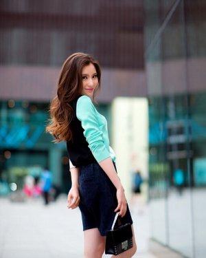 女生减龄卷发发型引爆时尚