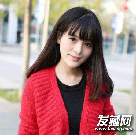 圆脸适合的直发发型修颜显小脸(3)