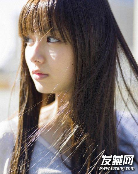 超长直发发型 女生显气质发型(5)图片