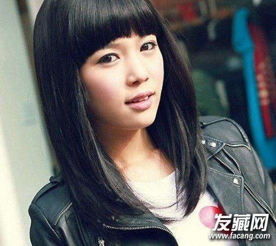 女生甜美气质齐发尾中长直发发型(2)图片