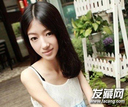 2015女生最新直发发型清新唯美(2)