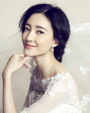 王丽坤清新新娘盘发图片