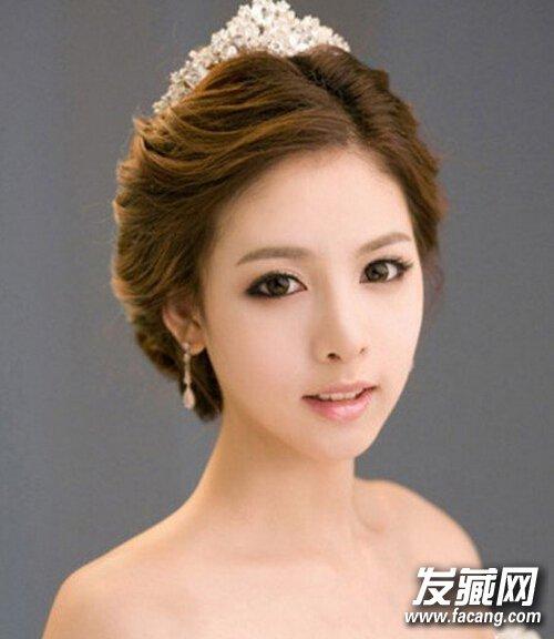 2015年流行新娘气质盘发发型(3)图片