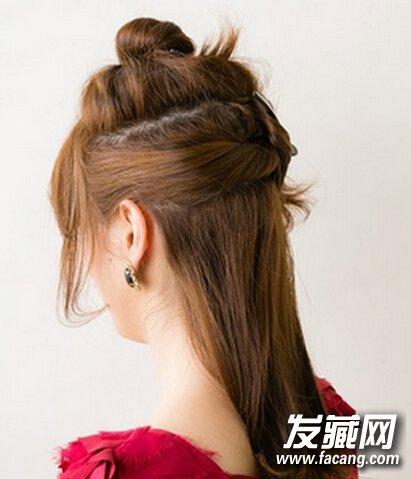 韩式中长发盘发发型步骤(2)图片